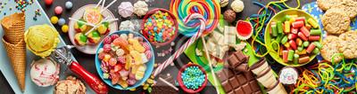 Plakat Asortyment kolorowe, świąteczne słodyczy i cukierków