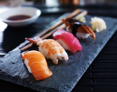 Plakat Assorted sushi nigiri na łupku