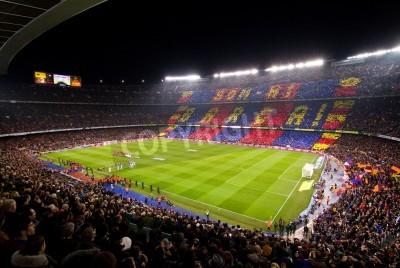 Plakat BARCELONA - 25 stycznia 2012: Panoramiczny widok na stadion Camp Nou przed meczem Pucharu Hiszpanii pomiędzy FC Barcelona i Real Madryt, końcowy wynik 2 - 2.