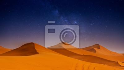 Plakat Beautiful sand dunes in the Sahara desert.