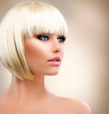 Plakat Blonde Girl Portret. Blond Hair. Fryzura. Stylowy Makijaż