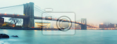 Plakat Brooklyn bridge at foggy rainy evening, New York City