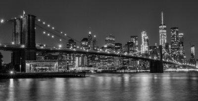 Plakat brooklyn bridge at night in black and white