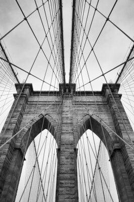 Plakat Brooklyn Bridge New York City bliska detal architektoniczny w ponadczasowej czerni i bieli