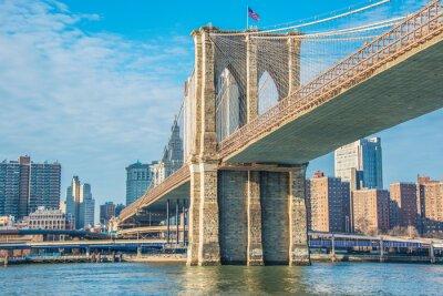 Plakat Brooklyn Bridge w Nowym Jorku na jasny, letni dzień