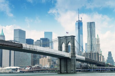 Plakat Brooklyn Bridge z Manhattanu w tle