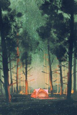 Plakat camping w lesie w nocy z gwiazd i świetliki, ilustracja, malarstwo cyfrowe