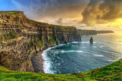 Plakat Cliffs of Moher o zachodzie słońca, Clare, Irlandia