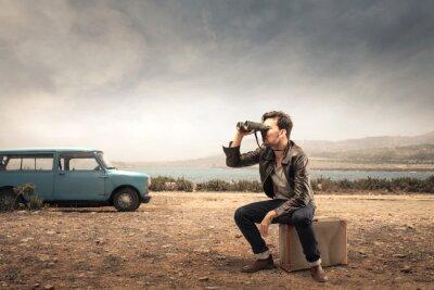 Plakat Człowiek patrząc w odległości