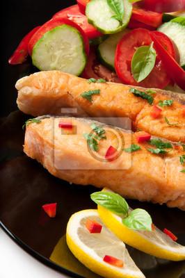 Danie rybne - łosoś z grilla z warzywami