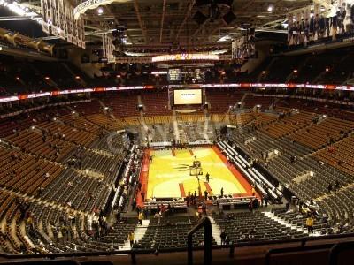 Plakat Duży widok koszykówki areny