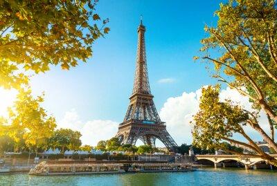 Plakat Eiffel Tower in sunrise time