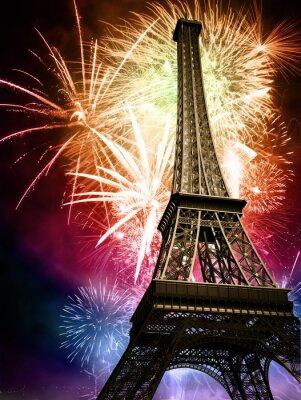 Eiffel z fajerwerkami