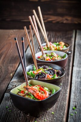 Plakat Few traditional asian noodles with vegetables