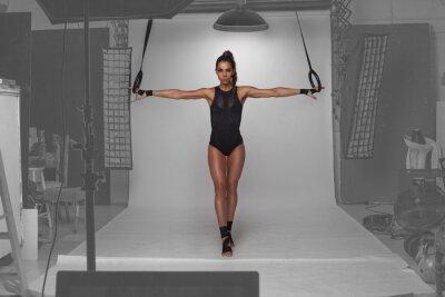 Plakat fitness model posing w studio
