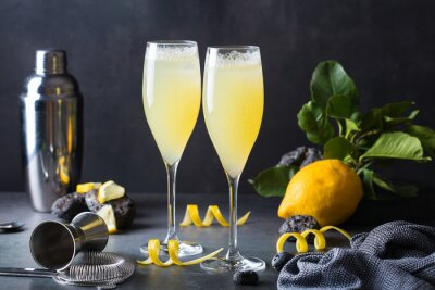 Plakat French 75 cocktail with lemon hard seltzer instead of champagne