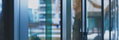 Plakat Glass walls as abstract urban background, exterior design and architectural detail closeup
