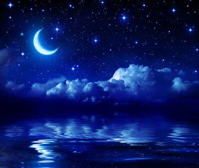Plakat Gwiaździsta noc z Crescent Moon na Morzu
