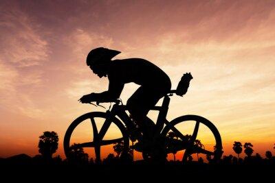Plakat Jazda na rowerze na czas zmierzchu