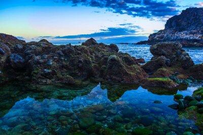 Plakat Kamień wybrzeża lub brzegu Oceanu Atlantyckiego