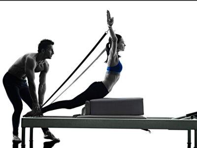 Plakat Kilka pilates reformator fitness ćwiczenia izolowane