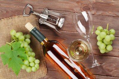 Plakat Kiść winogron, wina białego i korkociąg
