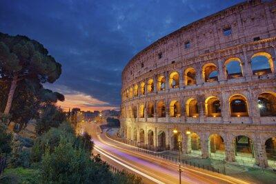 Plakat Koloseum. Obraz Koloseum w Rzymie w czasie wschodu słońca.