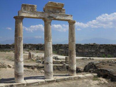 Plakat Kolumny i ruiny starożytnego świątyni Artemidy