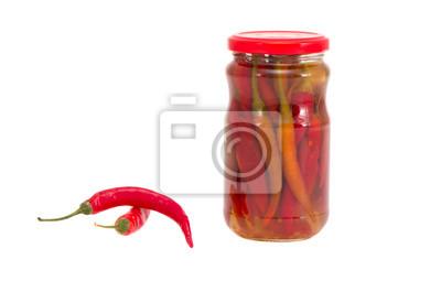 Plakat konserwy i świeże czerwone papryki hot