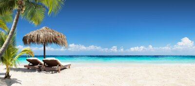 Plakat Krzesła i parasol w Tropical Beach - Seascape Banner