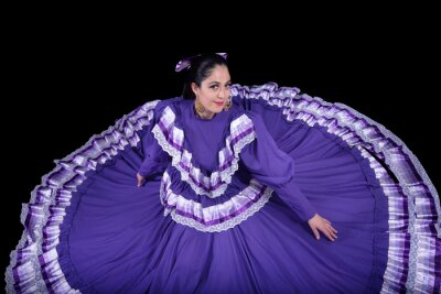 Plakat Latin woman dressed in a dress from Jalisco Mexico
