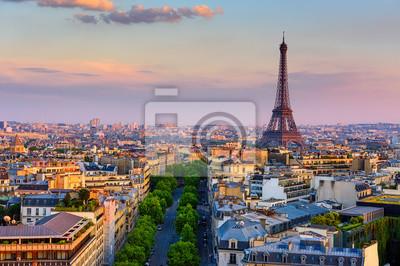 Plakat Linia horyzontu Paryż z wieżą eifla w Paryż, Francja. Panoramiczny widok zachodu słońca w Paryżu