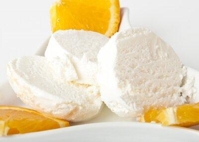 Lody waniliowe z kawałkami pomarańczy