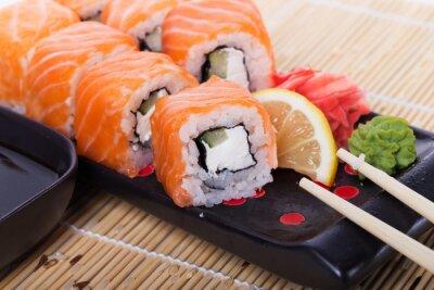 Plakat Łosoś sushi rolkach