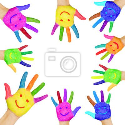 Plakat ludzkie ręce pomalowane w kolorowe farby z uśmiechem.