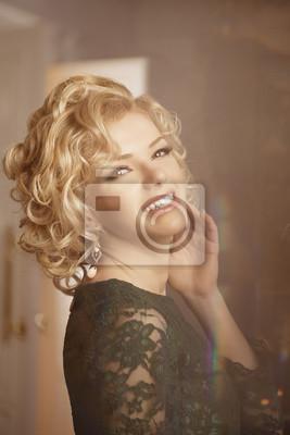 Plakat Luksusowa bogata kobieta jak Marilyn Monroe