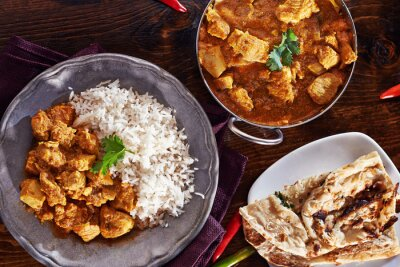 Plakat Mączka Indian Curry o naczyniu Balti, naan i ryżem basmati