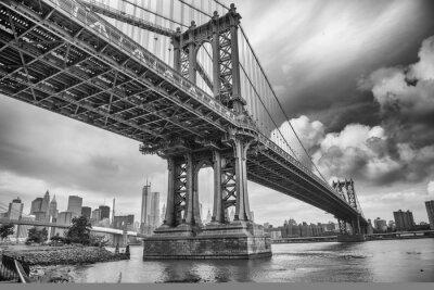 Plakat Manhattan Bridge, Nowy Jork. Super szerokokątny vi górę
