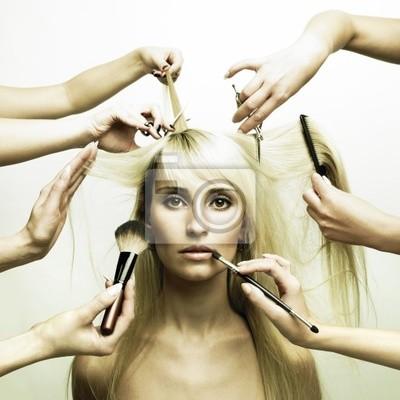 Plakat Modelu i ręce stylistów