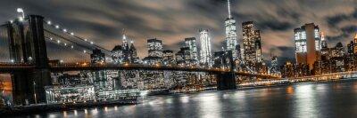 Plakat Most Brookliński noc długa ekspozycja z widokiem na dolny Manhattan