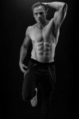 Plakat Muskularny przystojny seksowny facet pozowanie