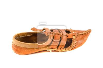 Plakat na białym starego skórzanego buta