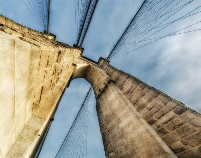 Plakat New York City. Wspaniały widok potężnego Brooklyn Bridge stru