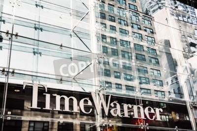 Plakat NEW YORK, USA - 21 września 2016: Time Warner Inc., światowy lider w dziedzinie mediów i rozrywki z firmami w sieciach telewizyjnych oraz rozrywce filmowej i telewizyjnej