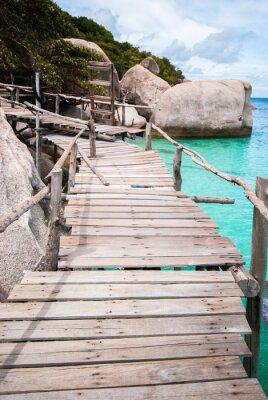 Plakat Niebieski Transparent Sea z drewnianych mostów