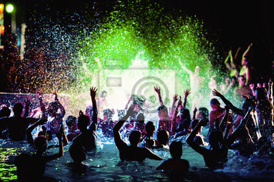 Plakat Nocna impreza ludzi w basenie.