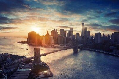 Plakat Nowy Jork - Manhattan po zachodzie słońca - piękny pejzaż