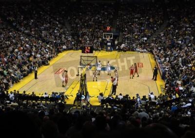 Plakat Oakland, Kalifornia - 17 stycznia: Sieci Vs. Warriors: Warriors Monta Ellis ustawia podjęcie strzał rzut wolny. Podjęta 17 stycznia 2011 Oracle Arena w Oakland, CA.