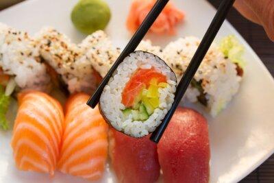 Plakat obiad z naczynia sushi