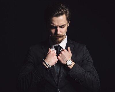 Plakat Obraz elegancki młody człowiek mody